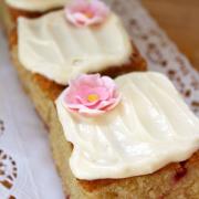 Mini Strawberry Cakes