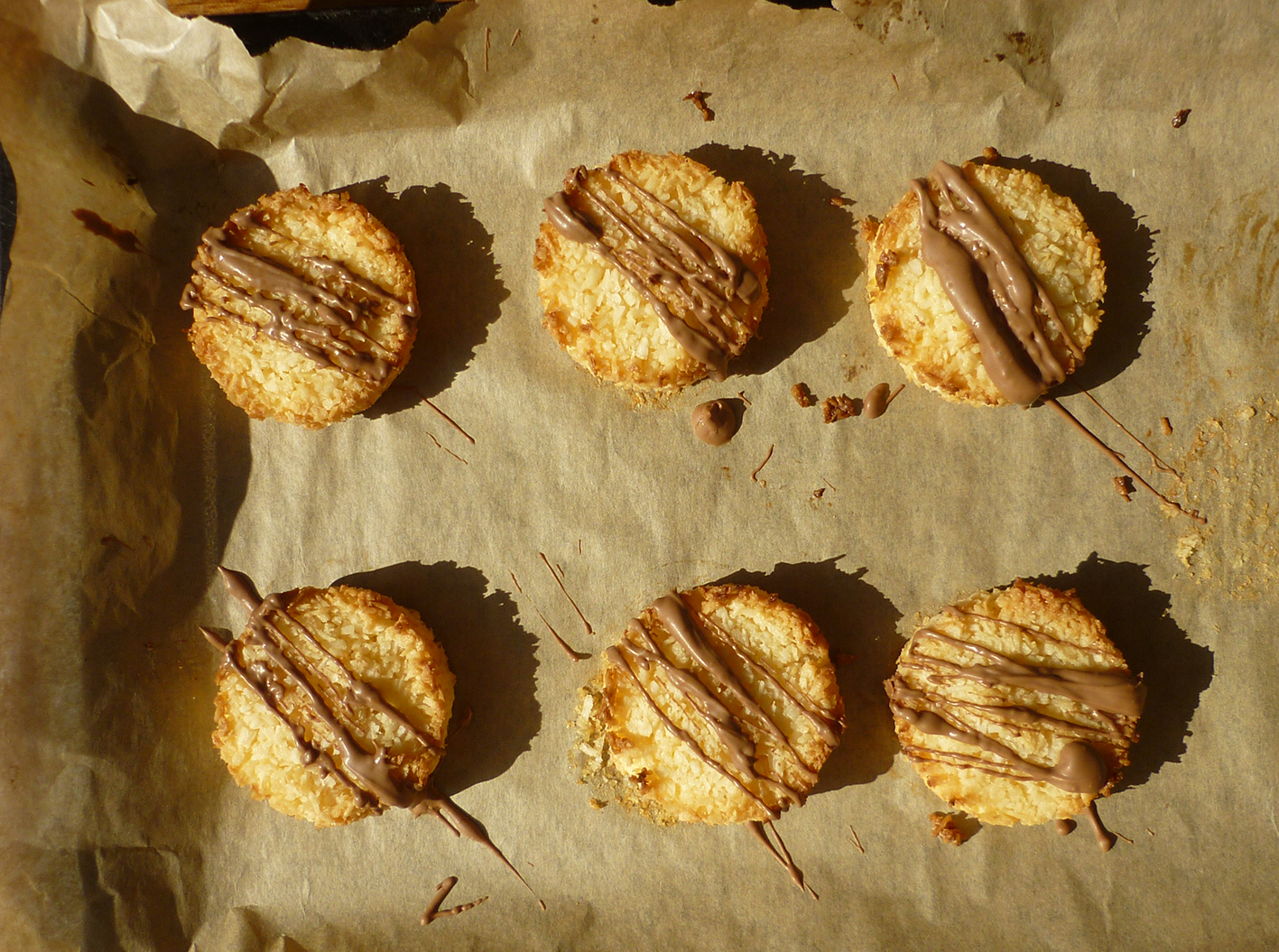 coconut & chocolate macaroons 7