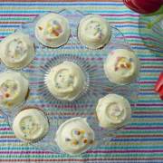 Chamomile Cupcakes with Lemon & Honey Icing